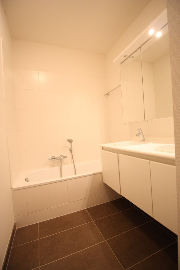 2 bed Property For Rent in Brussels,  - 15