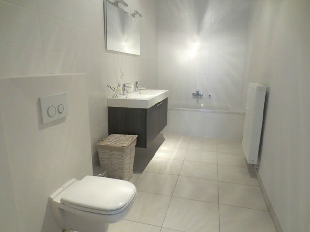 3 bed Property For Rent in Brussels,  - 12