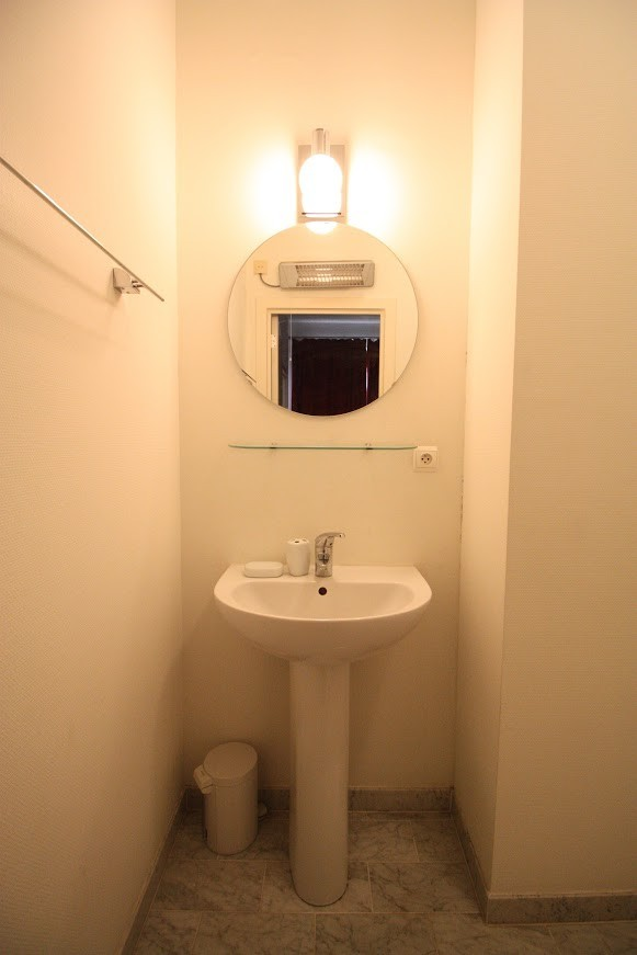 1 bed Property For Rent in Brussels,  - 8